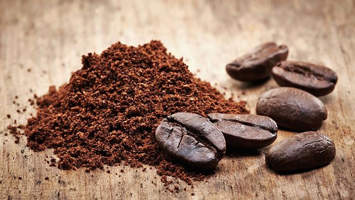 Bã cà phê điều trị viêm nang lông